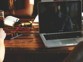 5-best-laptops-under-25000-in-india