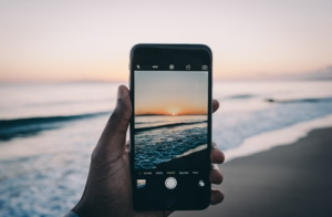10 Tips & Tricks For The Best iPhone Photos
